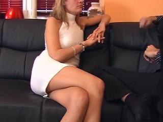 Young actress enjoying her work 1/5